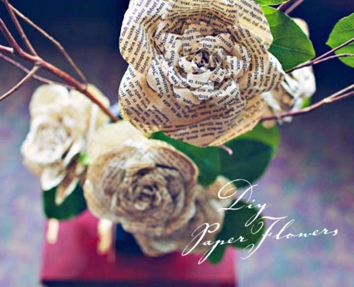 Rosas de papel de libro de cuentos de bricolaje