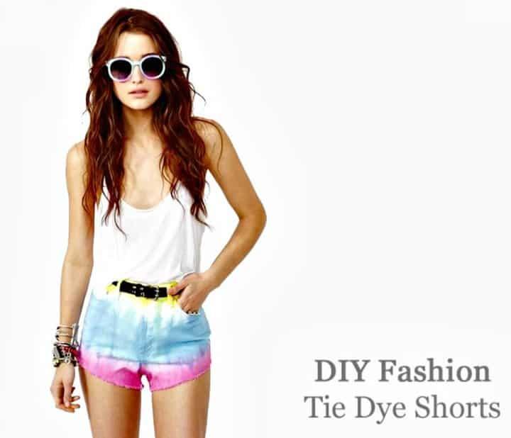 Moda sencilla de pantalones cortos con efecto tie dye
