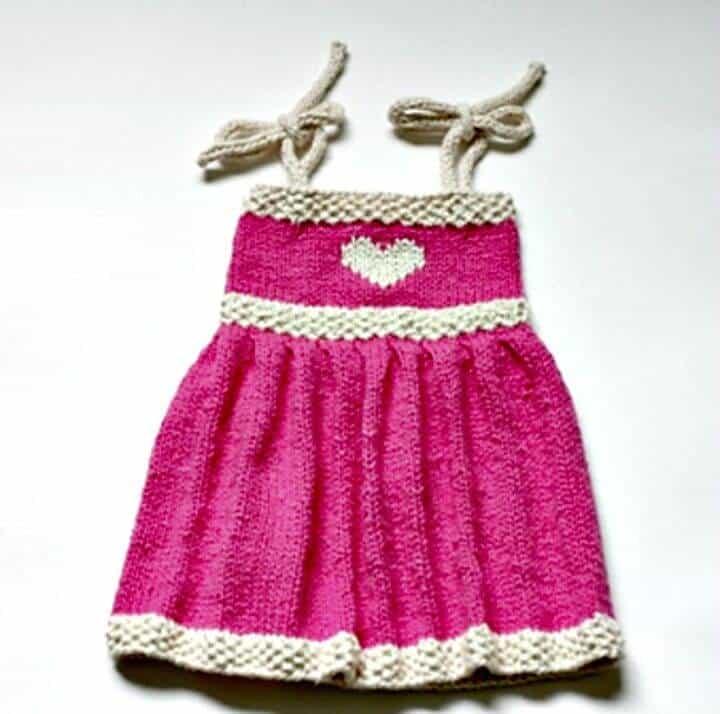 Patrón de vestido veraniego de bebé Fiona de punto gratis fácil
