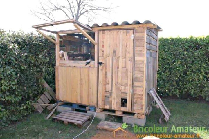 Cobertizo de jardín fácil hecho con paletas