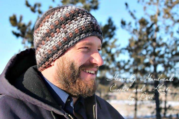 Patrón fácil de cómo liberar el gorro de crochet Dream Weaver para hombres
