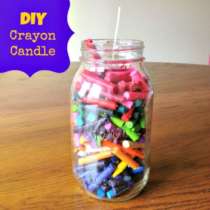 Cómo hacer una vela de crayón de tarro de masón - DIY
