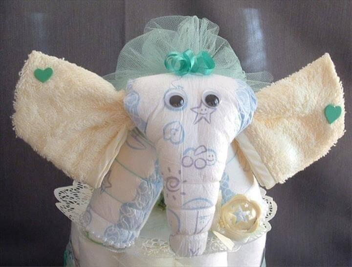 hermoso pastel de pañales de elefante