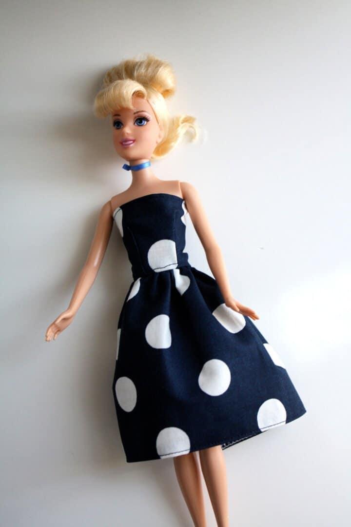 Patrón de costura de vestido Barbie gratis