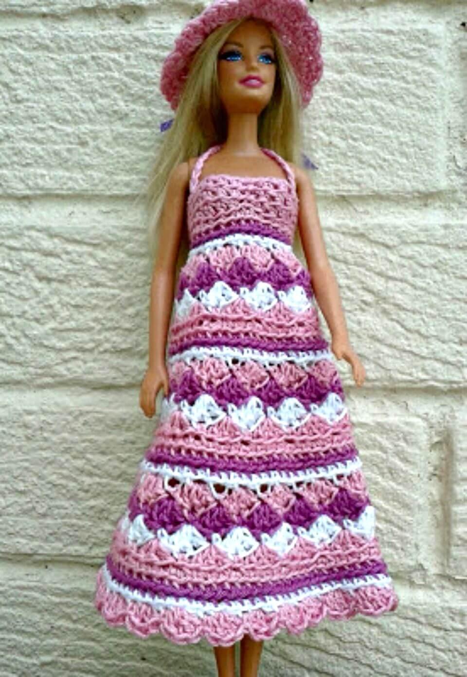 Patrón de sombrero y vestido de verano de Barbie de ganchillo gratis