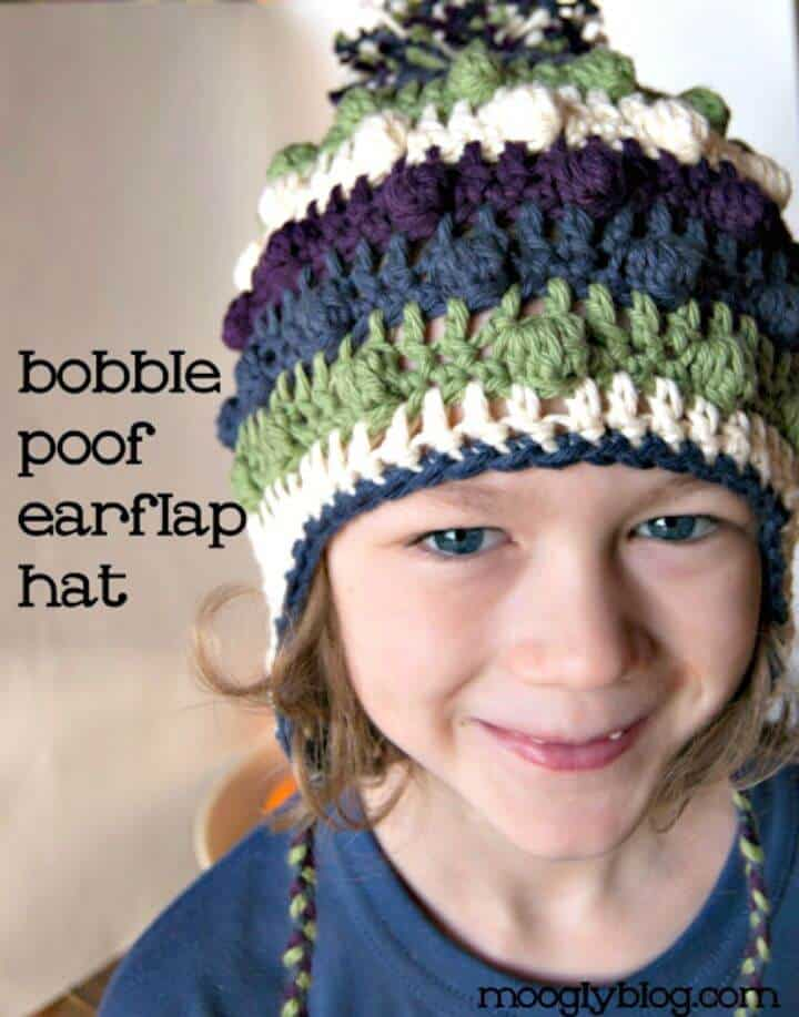 Gorro con orejeras de crochet Bobble Poof - Patrón gratuito