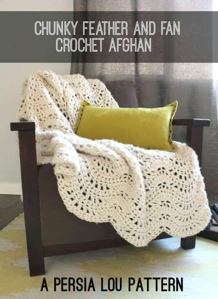 Patrón de manta afgana de abanico y plumas gruesas de ganchillo fácil y gratis