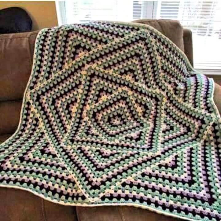 Crochet Interesting Granny Square Blanket - Patrón gratuito