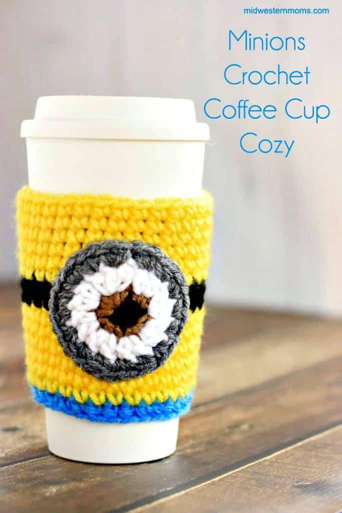 Patrón acogedor de taza de café Minions de ganchillo gratis