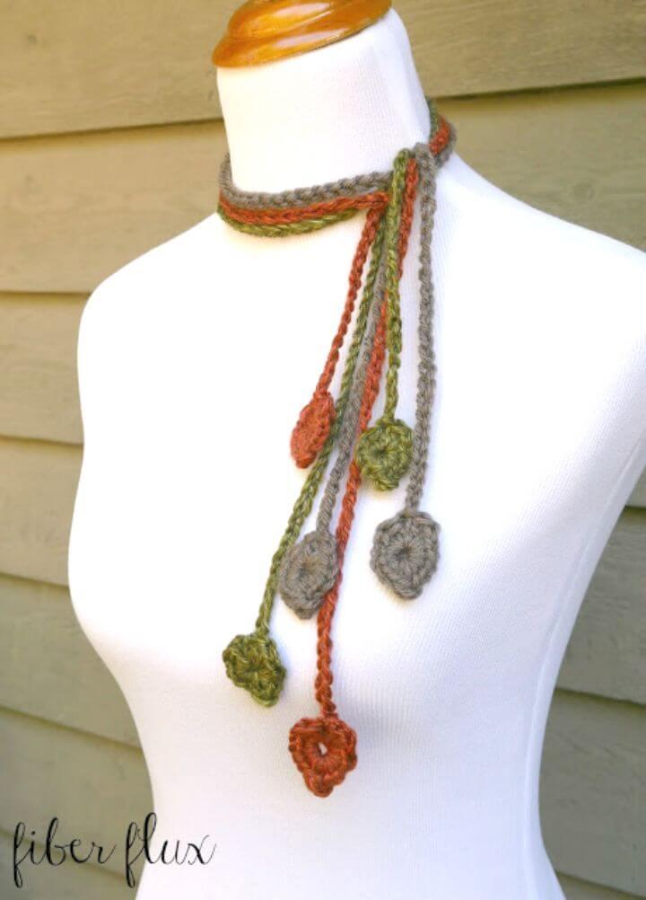 Crochet gratis El patrón Leafy Lariat