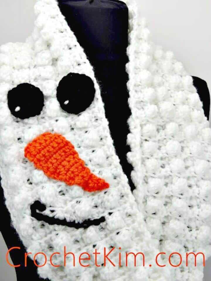 Patrón de bufanda infinito de muñeco de nieve de ganchillo fácil y gratuito