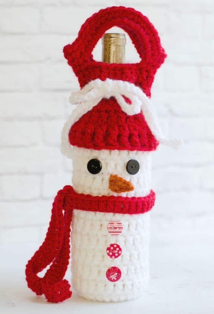 Patrón acogedor de vino de muñeco de nieve de ganchillo gratis fácil