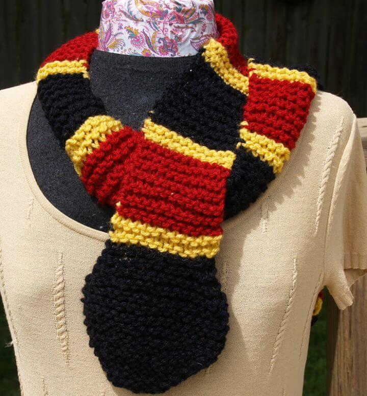 Patrón de bufanda de serpiente coral de tejido gratis