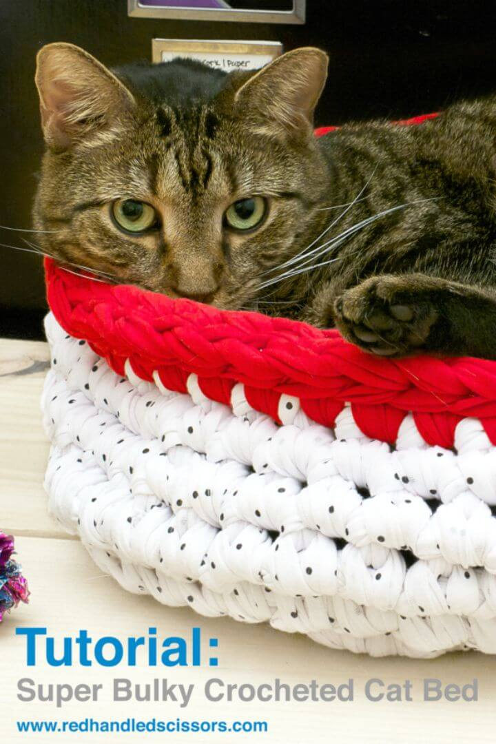 Patrón de cama de gato voluminoso de ganchillo súper gratis