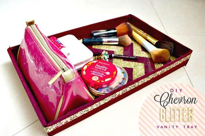 Magnífica bandeja de tocador con brillo de Chevron para bricolaje - Organizador de maquillaje / Ideas de almacenamiento