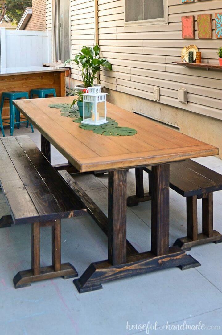 Hermosa mesa de comedor al aire libre de bricolaje