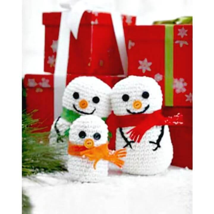 Patrón de familia de muñeco de nieve de ganchillo gratis