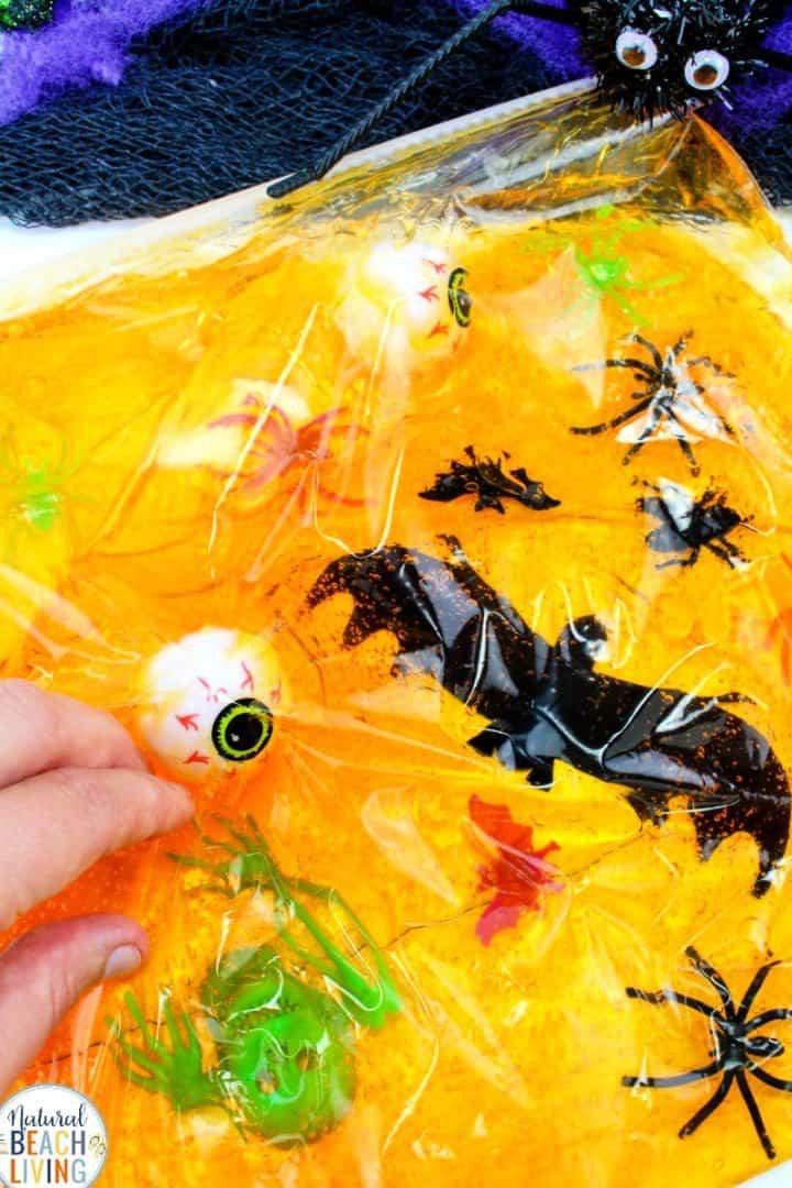 Bolsa sensorial de Halloween - Actividades sensoriales para niños