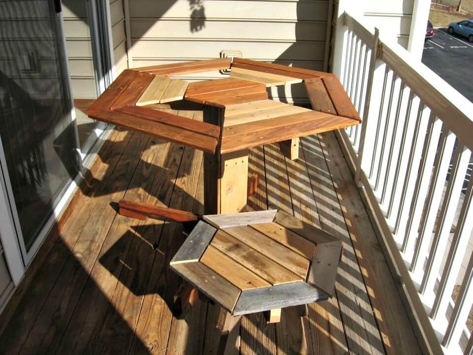Cómo construir una mesa de jardín de paletas anchas - Bricolaje