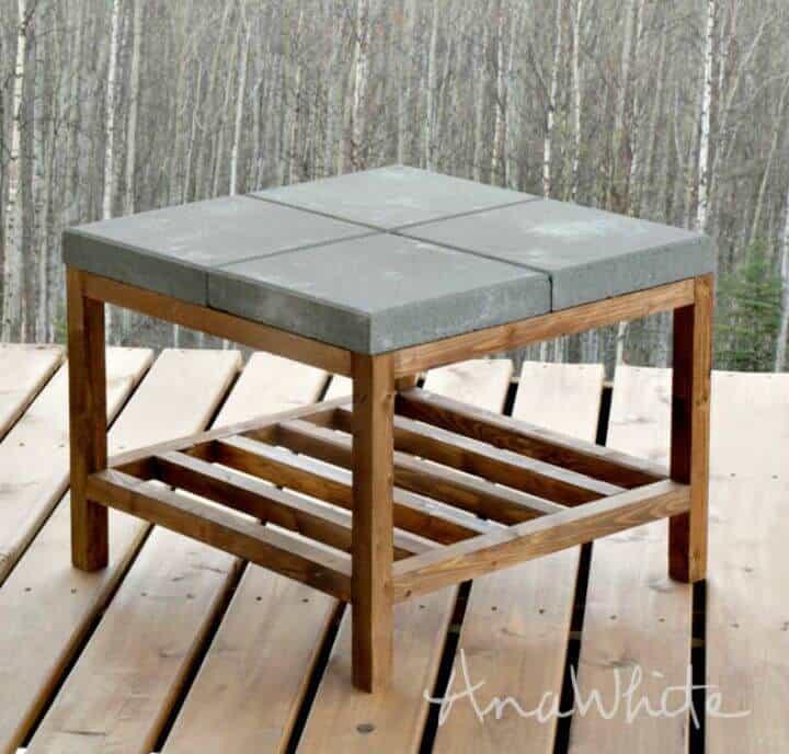 Mesa de centro al aire libre con pavimentadora de hormigón DIY