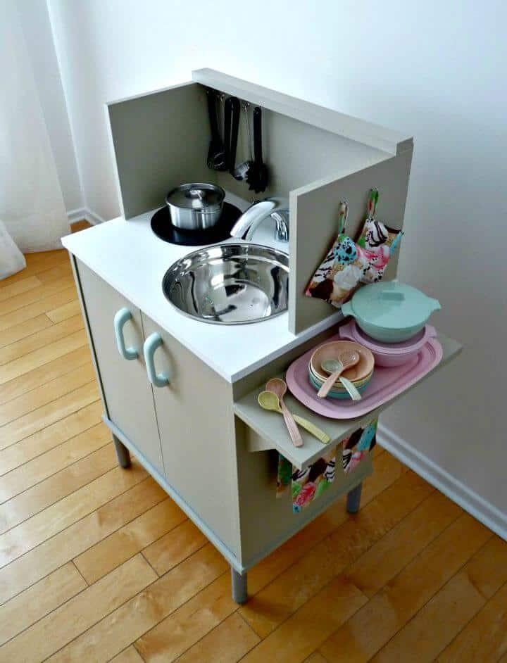 Cómo construir una cocina de juguete
