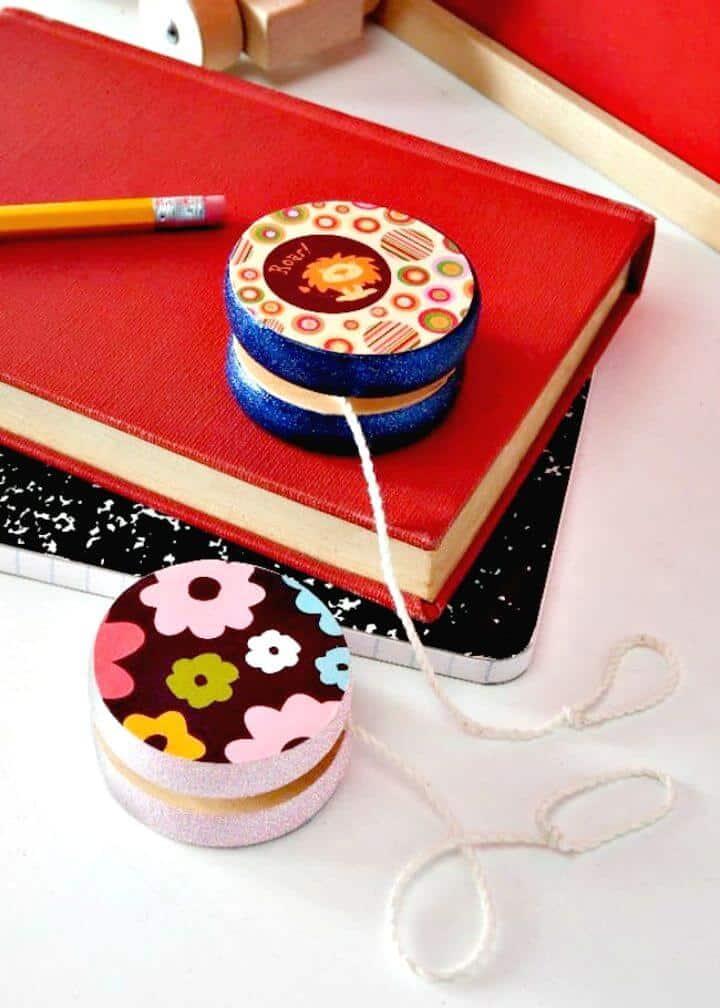 DIY fácil decorar un yoyo de madera