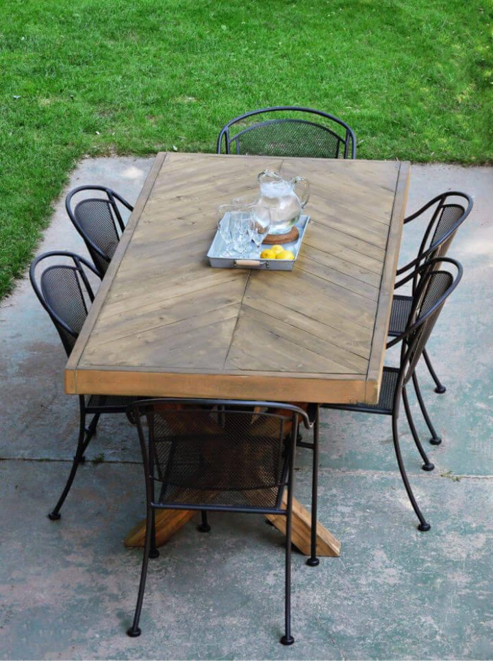 Cómo construir tu propia mesa de comedor al aire libre
