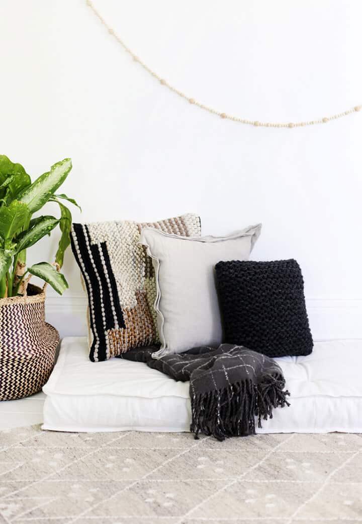 Cómo hacer un cojín para el sofá cama