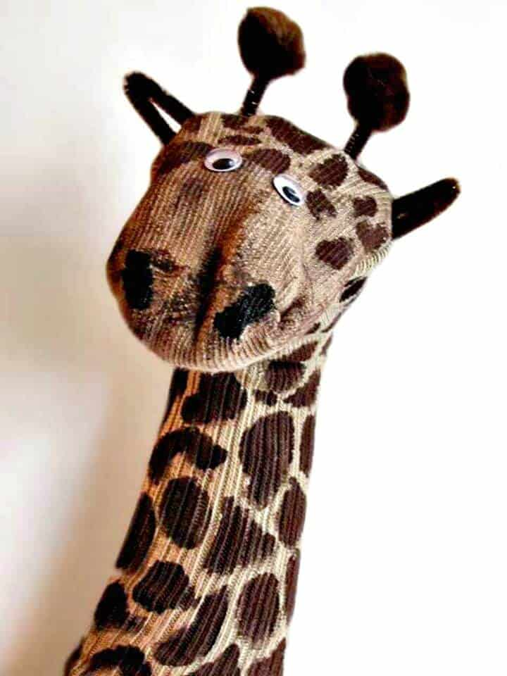 Marioneta de calcetín de jirafa fácil de bricolaje
