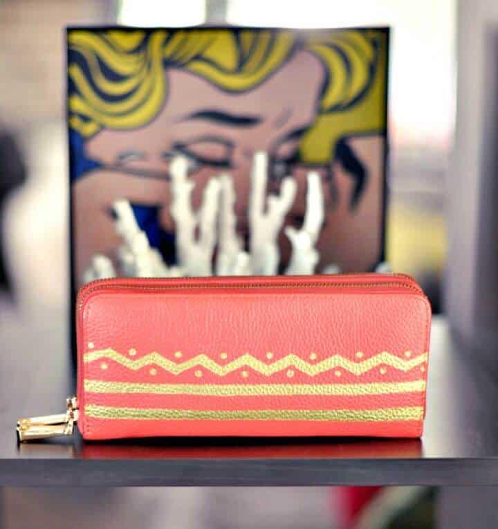 Cómo hacer una billetera de cuero pintado