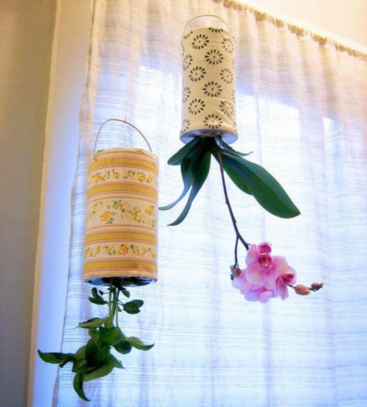 Jardineras al revés recicladas de bricolaje