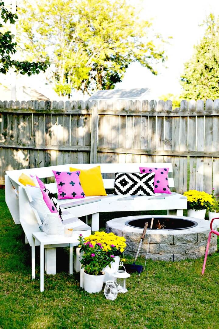 Haga su propio banco de fuego curvo con $ 125 - Muebles de jardín de bricolaje