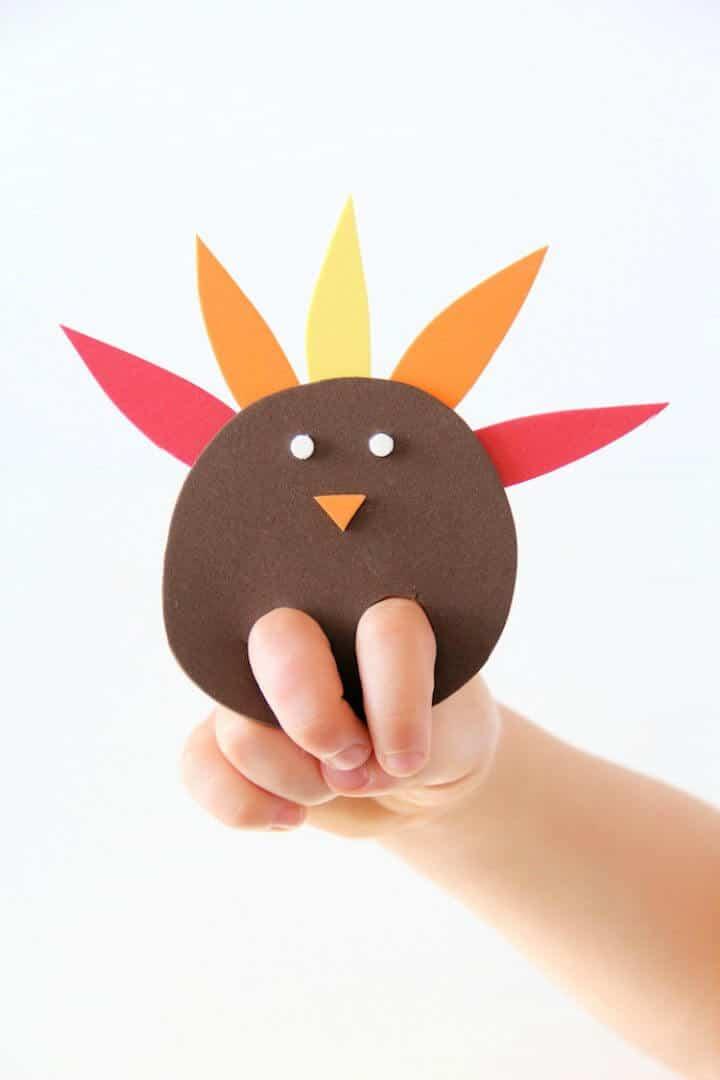 Marioneta de dedo de pavo DIY