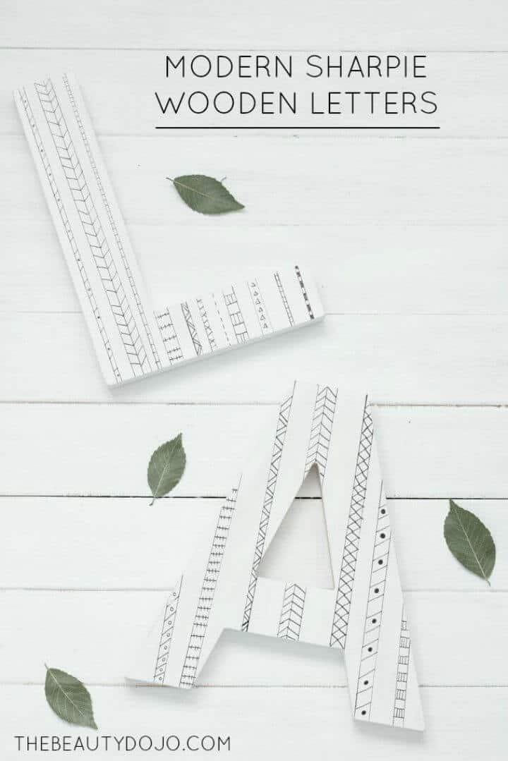 Letras de madera Sharpie de bricolaje modernas