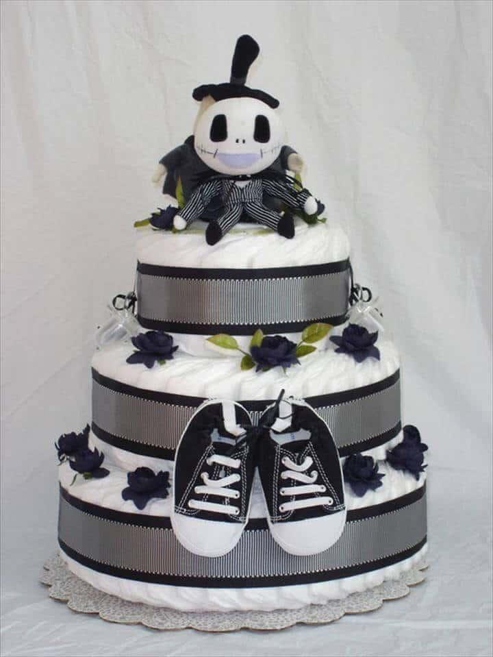 pastel de pesadilla de pañales en blanco y negro antes de navidad