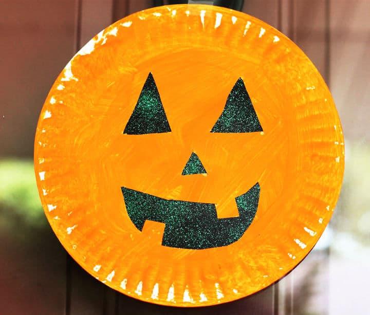 Plato de papel Calabaza Artesanía de Halloween para niños en edad preescolar