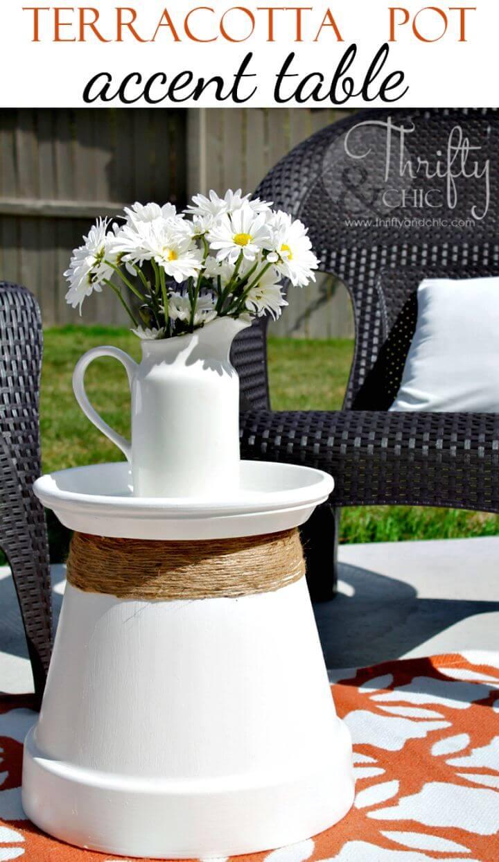 Cómo reutilizar la mesa decorativa de maceta de terracota