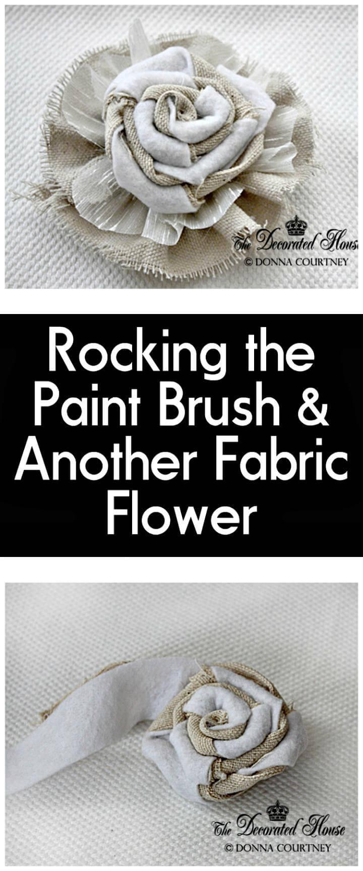 pincel artesanal y flor de tela