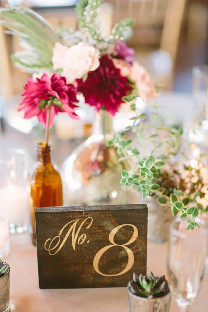 Números de mesa de madera rústica para bodas