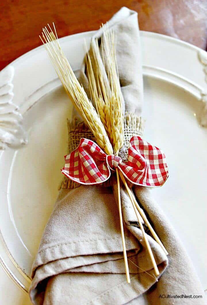 Servilletero de arpillera guinga y trigo para bricolaje