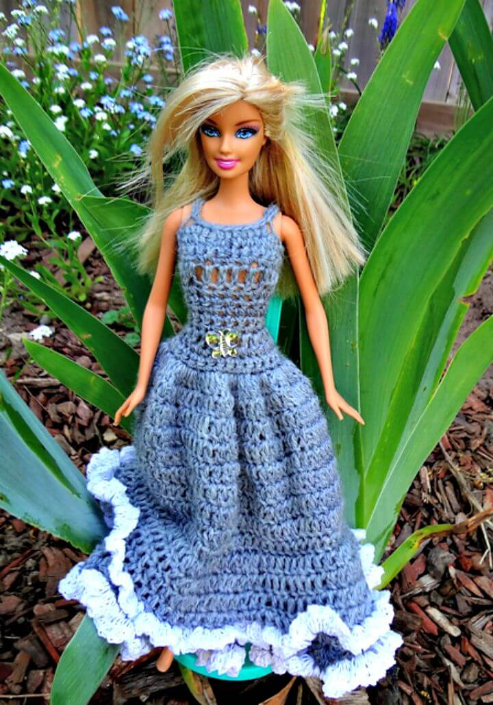 Patrón de vestido de muñeca hermosa de ganchillo simplemente gratis