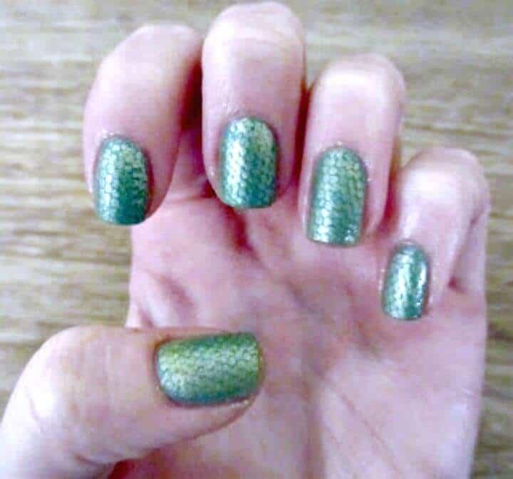 Arte de uñas DIY con piel de serpiente - Tutorial de instrucciones sencillas