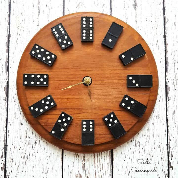 Reloj dominó vintage reciclado
